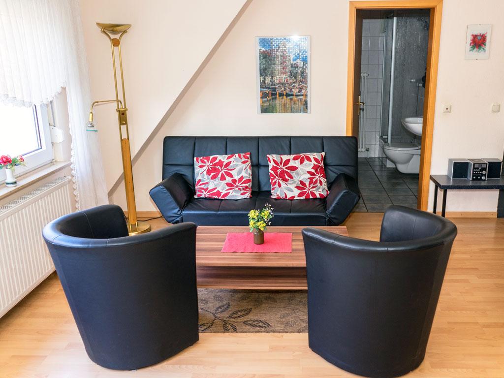 ferienwohnungen zimmer gasthaus asche mehr als traditionelle k che. Black Bedroom Furniture Sets. Home Design Ideas